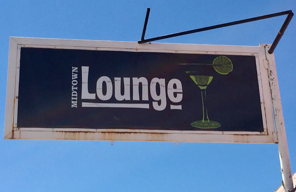 The Midtown Lounge – Arroyo Hondo, NM